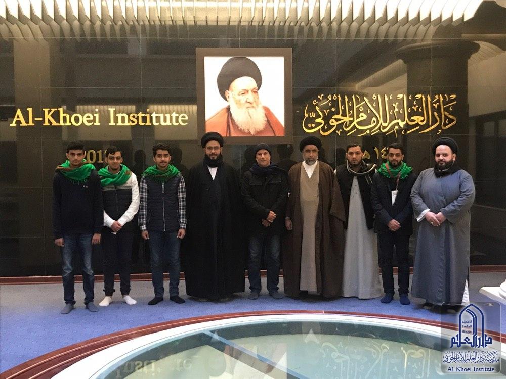 وفد من الشباب البحريني يزور مدرسة دار العلم للإمام الخوئي